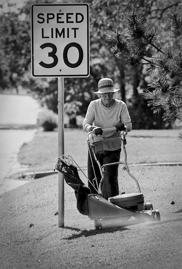 Speed Limit 30 by Kevin Brown